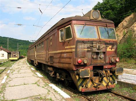File Rusty Train In Koprivshtitsa Jpg Wikimedia Commons