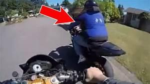 Moto Et Motard : un motard attrape un voleur de moto et le punit ~ Medecine-chirurgie-esthetiques.com Avis de Voitures
