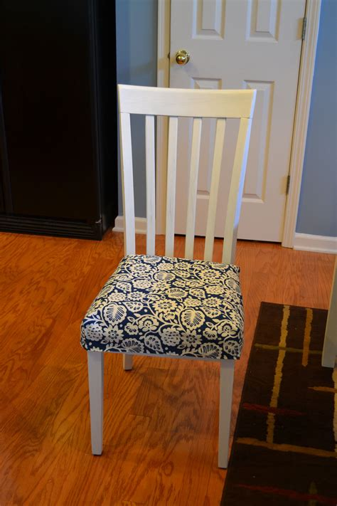 kitchen table chair cushions kitchen chair cushion tutorial sewing and crafts