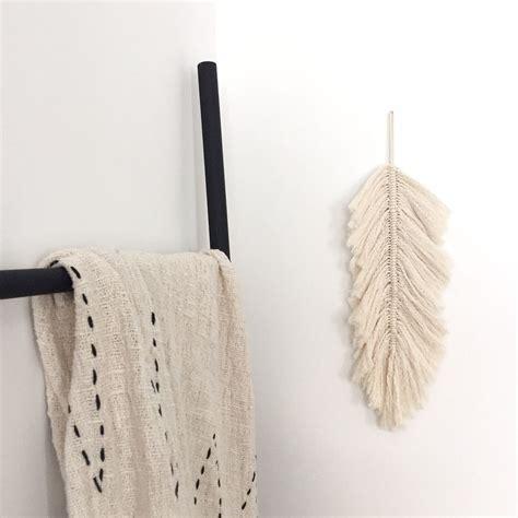 diy 65 une plume boh 232 me en macram 233 papier ciseaux weaving tissages macram 233