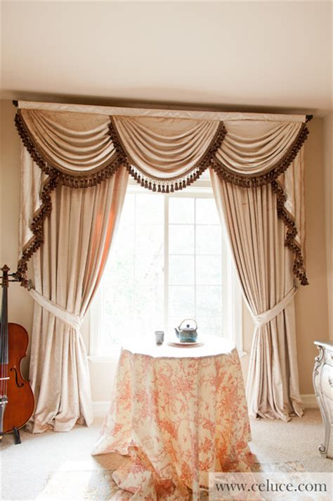 pearl dahlia swag valance window treatment traditional