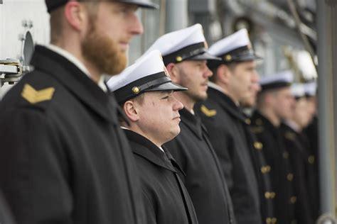 Kuģu parāde par godu Jūras spēku atjaunošanas 25 gadu jubi ...