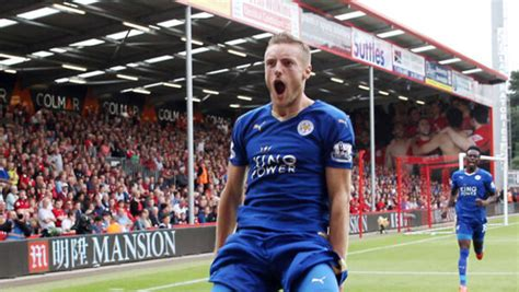 Jamie Vardy's having a party as Leicester stars watch ...