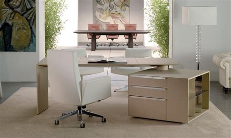 Chancellor Medium Back With Castors Chair By Lievore