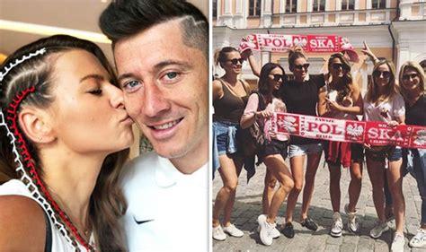 anna lewandowska before world cup 2018 robert lewandowski s wife anna showers