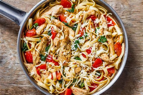 chicken pasta recipe with tomato and spinach eatwell101