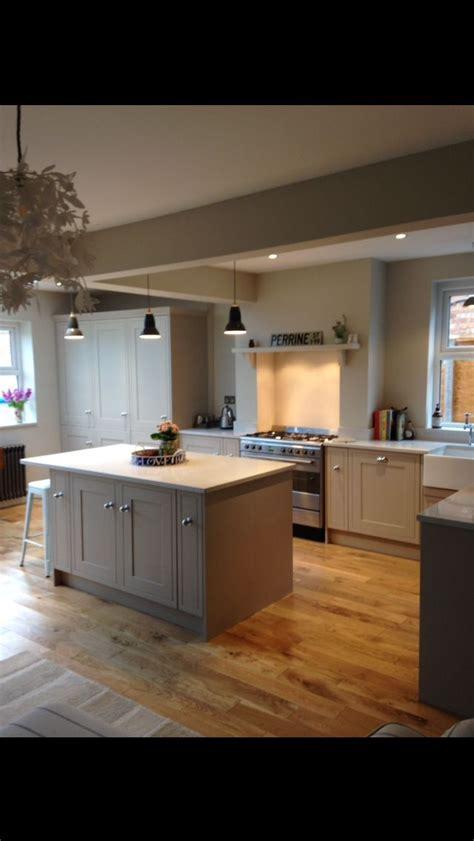 abc country kitchen howdens tewksbury island worktop inset range 1136