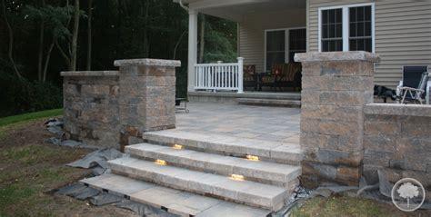 lashomb lawn landscape patio steps lighting walls