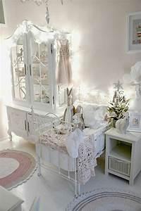 la decoration shabby chic mixer le passe et le present With tapis chambre bébé avec guirlande de fleurs mariage