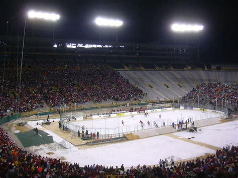 frozen tundra hockey classic wikipedia