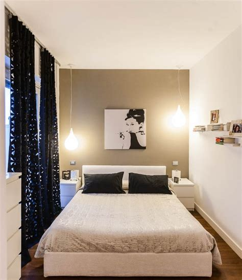 Decorating Small Bedrooms With Painted Red Ceilings And
