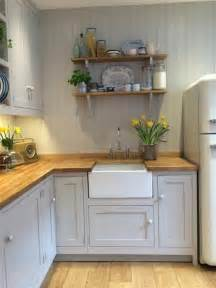 cottage kitchen design ideas best 25 small cottage kitchen ideas on cozy kitchen cottage kitchen peninsulas and