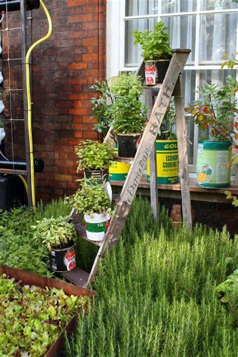 Reciclagem No Meio Ambiente Jardim Vertical Com Material
