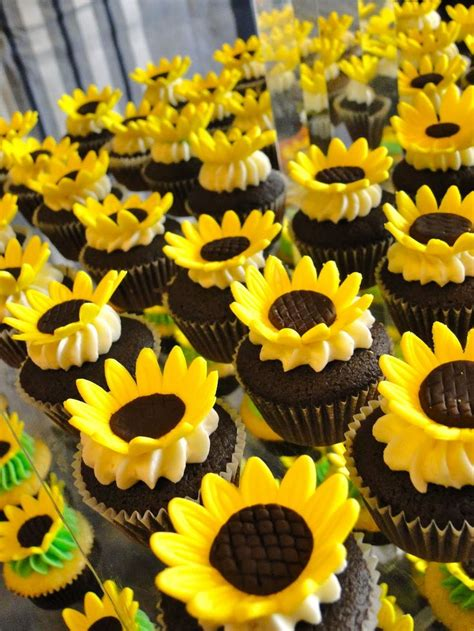 25 Best Ideas About Sunflower Wedding Cupcakes On