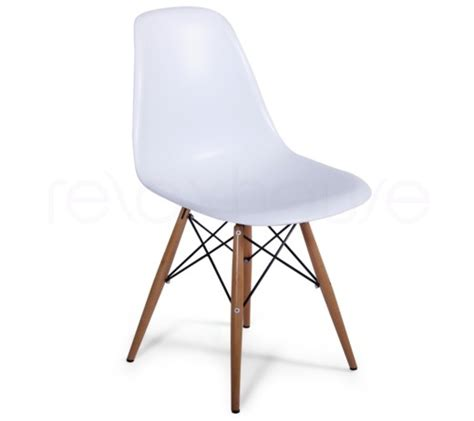eames molded plastic side chair with wooden legs dsw