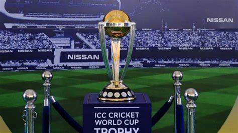 Cricket World Cup Trophy Goes On Display In Pakistan