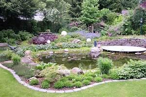 Teich Im Garten : garten mit teich traumgarten ~ Lizthompson.info Haus und Dekorationen