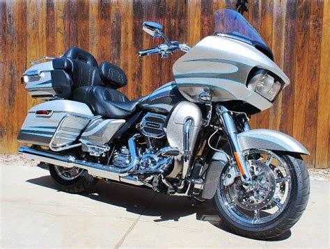 Review Harley Davidson Cvo Road Glide by Road Test 2016 Harley Davidson Cvo Road Glide Ultra