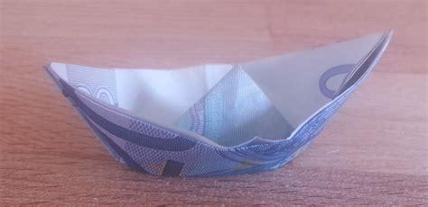 schiff aus einem geldschein falten origami mit geldscheinen