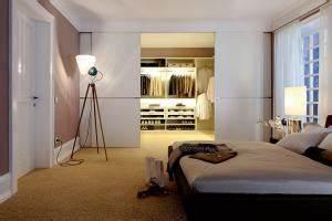 Schränke Für Kleine Schlafzimmer : l ngliches schlafzimmer einrichten ~ Bigdaddyawards.com Haus und Dekorationen