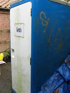 Toilette Im Garten : welt toilettentag toiletten im garten florale ausstattung des stillen rtchens gartenkalender ~ Whattoseeinmadrid.com Haus und Dekorationen