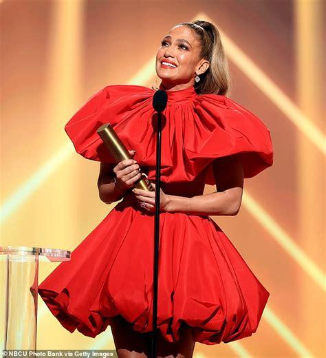 Jennifer Lopez plädiert bei den People's Choice Awards ...