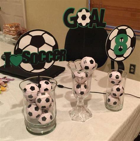 meer   ideeen  soccer centerpieces op pinterest