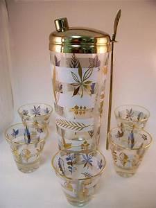Mad Men Vintage Cocktail Shaker Set Incl. Glasses Gold ...