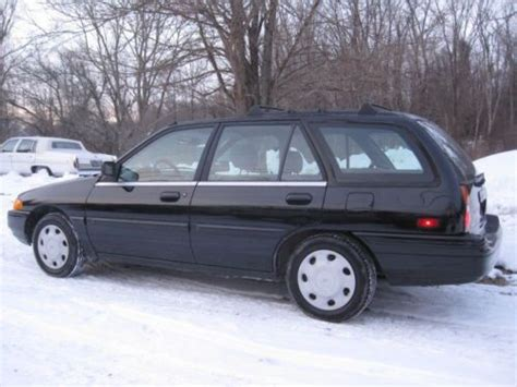 purchase   ford escort lx wagon  door