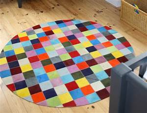 Tapis Rond Ikea : tapis patchwork elmer rond en peau de vache unie multicolore ~ Teatrodelosmanantiales.com Idées de Décoration