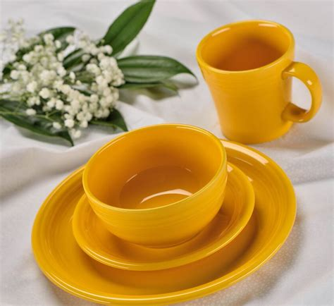fiestaware colors daffodil fiesta dinnerware blend introduced homer cleveland laughlin succulents lichens plus garden recently each its