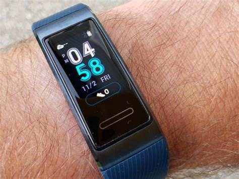 huawei band  pro hands  affordable fitness band