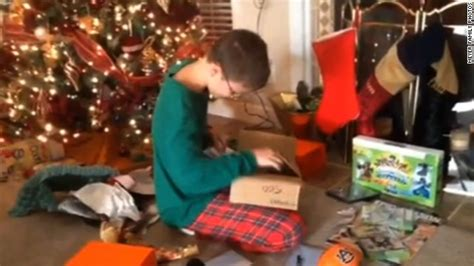 gifts for auburn fans see young auburn fan flip out over christmas gift new