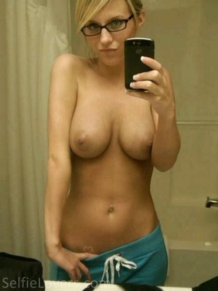 Naked Selfies Naked Sexy Nude Selfies By Selfielovers Com