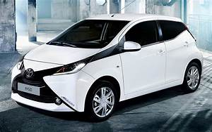 2014 Toyota Aygo x-play 5-door - Wallpapers and HD Images