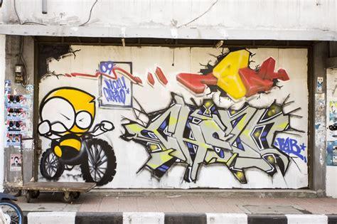 Grafiti Bandung : 301 Moved Permanently