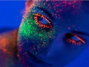 Le Fluorescente by Fluorescencia Vs Fosforescencia