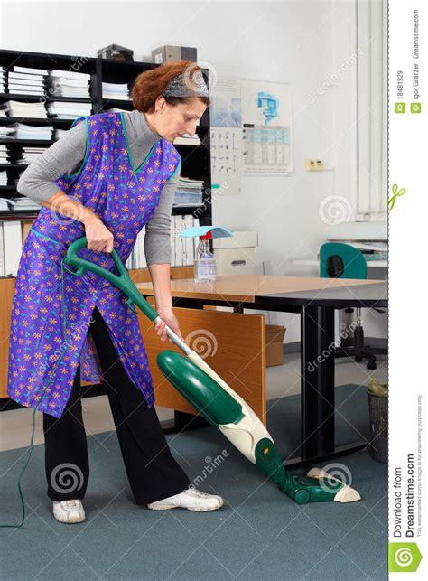 recherche emploi menage bureau je cherche travail menage bureau 28 images femme de m