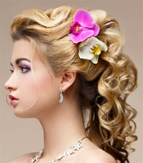 Curl Updo Hairstyles by Pretty Curly Updo Hairstyles For 2016 2019 Haircuts