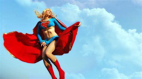 fotos de las mejores cosplay de supergirl fotos