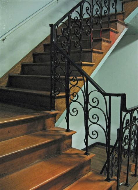 railing iron staircase stair stairs interior designs file railings wood custom commons wikimedia handrail posts cool