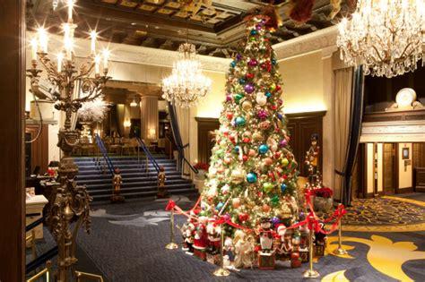 hotels    christmas decorations  orbitz
