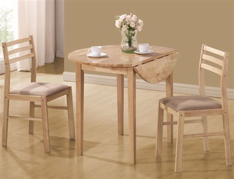 coaster dinettes casual  piece table chair set