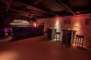 Bar Mit Tanzfläche Berlin : partyraum in friedrichshain f r 60 200 personen mit au enbereich ~ Markanthonyermac.com Haus und Dekorationen