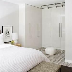 Begehbarer Kleiderschrank Kleines Schlafzimmer : ankleidezimmer einrichten 20 dekoideen und begehbare kleiderschr nke ~ Michelbontemps.com Haus und Dekorationen