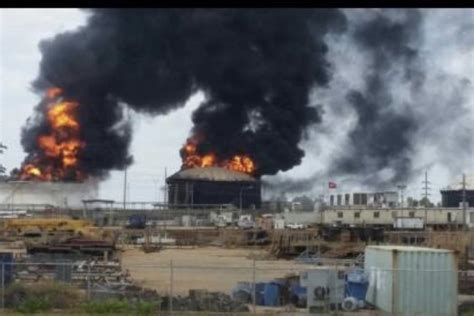 seemorerocks  attacks  venezuela  oil refinery