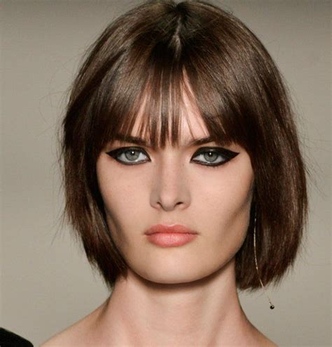 les tendances coiffures printemps 233 t 233 2018 rep 233 r 233 es sur les d 233 fil 233 s maquillage