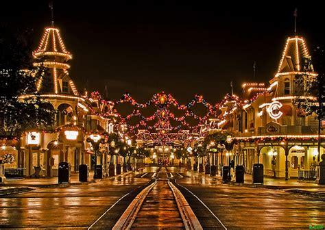 a tranquil christmas on main street usa walt disney world flickr