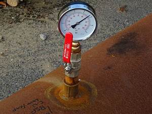Overland Pipe Pressure Gauge Lever Free Stock Photo