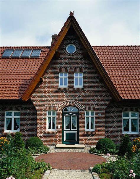 Moderne Häuser Mit Krüppelwalmdach by Mit Sicherheit Wertbest 228 Ndig Einmal Gebaut Und Mit